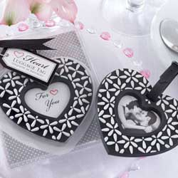 10 cheap unique engagement party favors ideas wedding for Different engagement party ideas